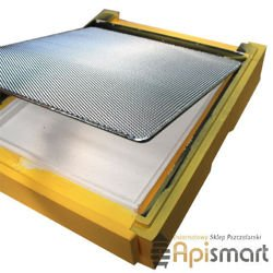 Grate for bottom board ( to controling of varroa)